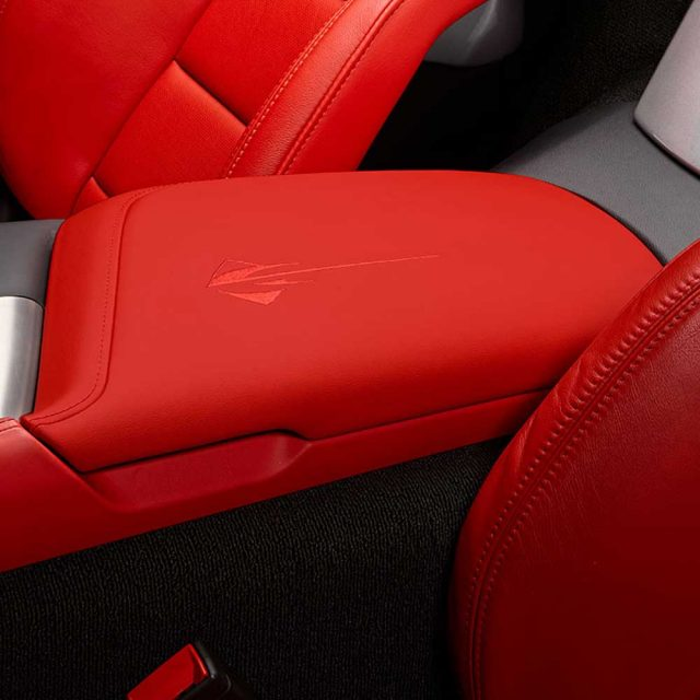 GM C7 Stingray center console lid - adrenaline red - 84539747