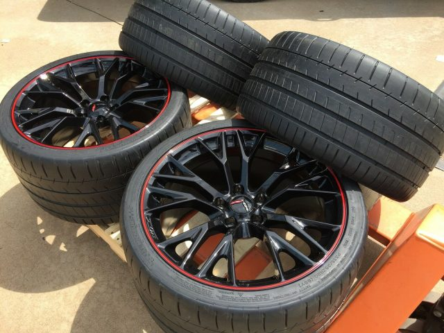 C7 Z06 GM Black w/Red Pinstripe Wheel Tire Package
