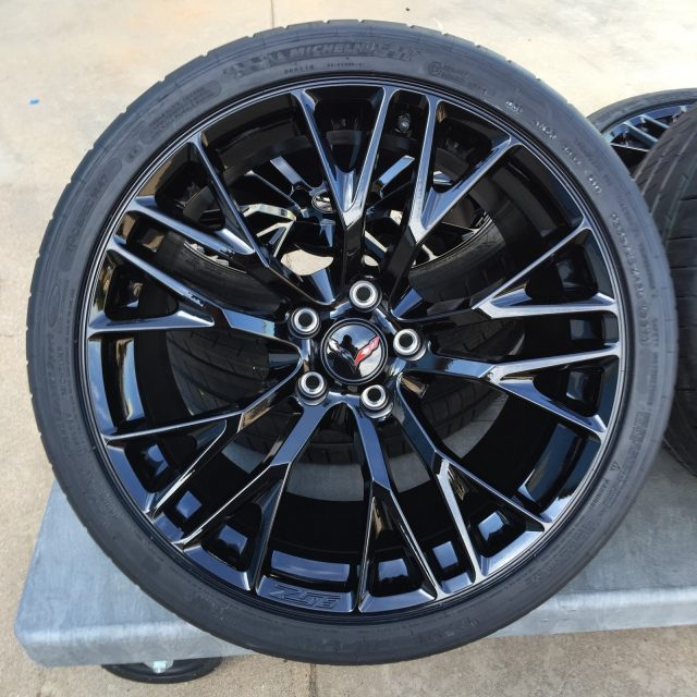 C7 Z06 GM Black Wheel Tire Package-4