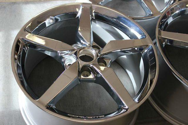 GM C7 2014 Corvette Stingray Wheels Close up Inspection