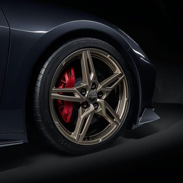 GM C8 Aluminum 5 Spoke Wheels for 2020+ Corvettes - Pewter - Installed View