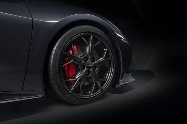 GM C8 Aluminum 5-Trident Spoke Wheels for 2020+ Corvettes - Black - Installed View