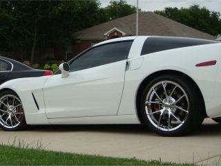 Z06 Spyder Wheels in Chrome on White Corvette